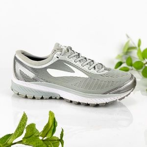 Brooks Ghost 10 White Metallic Gray Running Shoe